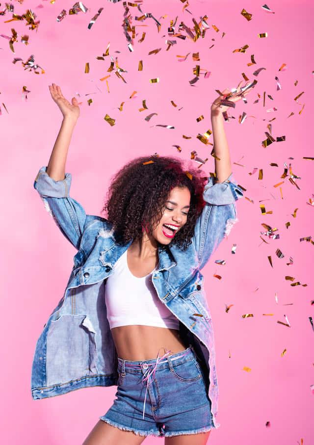 ソロ期間でも幸せ♡【科学が実証】今すぐ幸せな気分を味わえる7つの方法