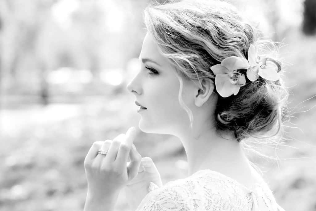 誰よりも可愛い花嫁に♡海外風おしゃれ「フラワーブライダルヘア」15選