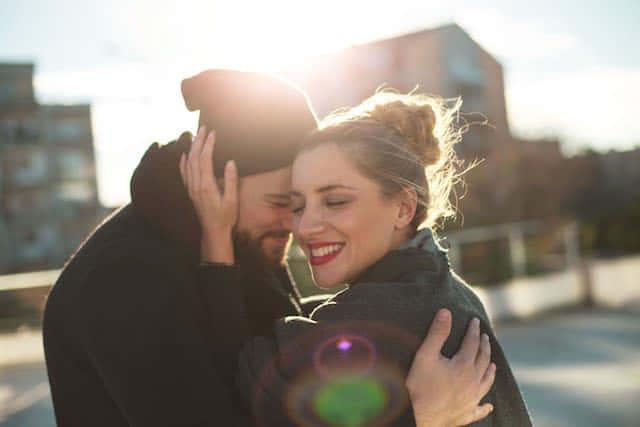 【O型女子・徹底分析】恋愛相性や特徴は?O型女子は◯◯な恋をせよ!