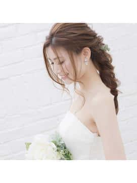 花嫁に人気の髪型は 髪の長さ 顔の形別 最新ウエディングヘア特集