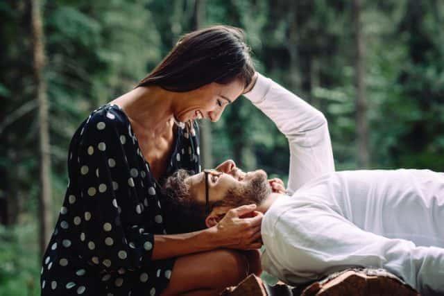 惚れちゃう…!男性が年上女性に胸キュンする瞬間3選