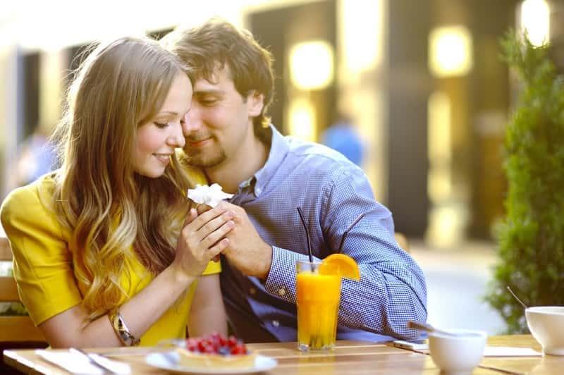 デートは食事中が勝負! デートで相手をホレさせる食事テク