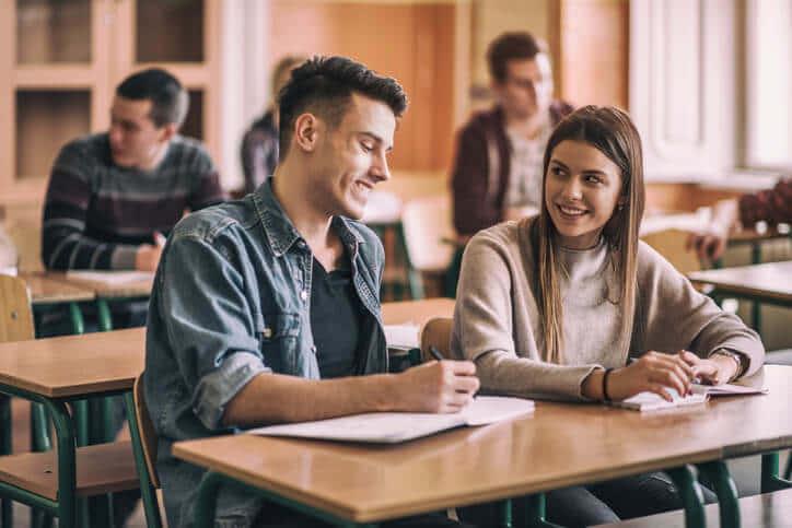 女子大学生向け彼氏の作り方10選!効率的に出会いの場を増やしイケメン男子と付き合う方法を解説